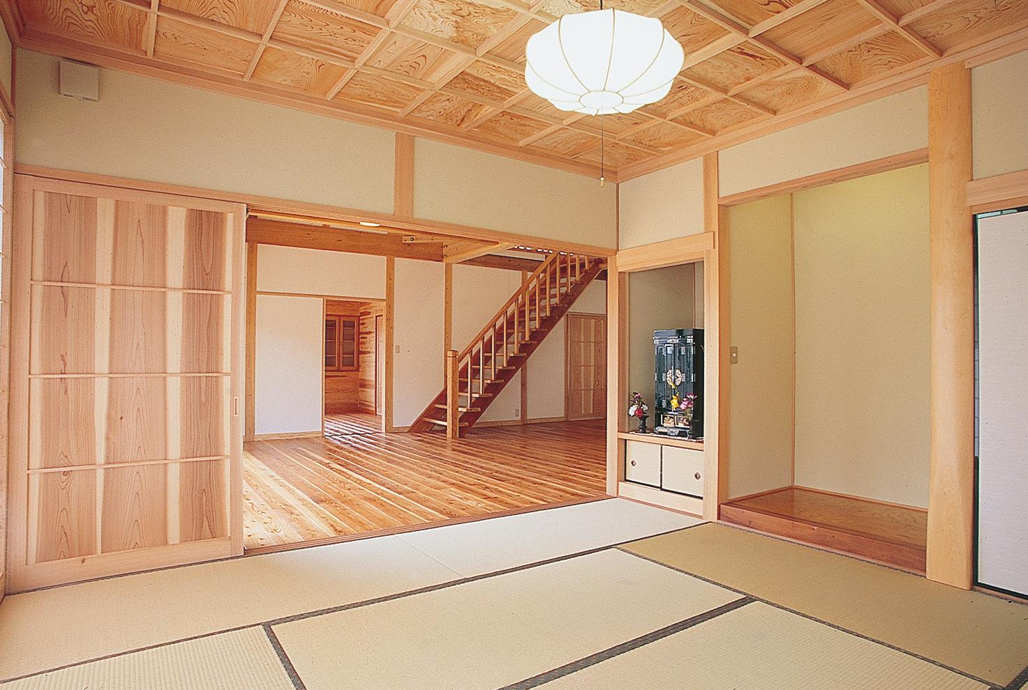 各部屋を仕切らないようにすることで、開放感はもちろん空気の流れも良く、また動線もスムーズだ。